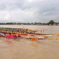 Photo taken at ท่าเรือนนทบุรี (พิบูลย์ 3) Nonthaburi (Pibul 3) N30 by Vasu V. on 9/15/2012