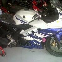 Photo taken at Yamaha Dealer and Service Gunungsari by Elok M. on 7/20/2014