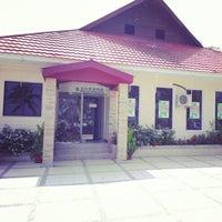 Photo taken at Mimpian Jadi Resort by Vino KЯB™ on 10/6/2012