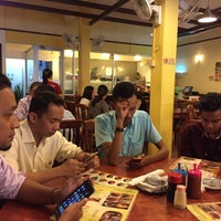 Photo taken at Restoran 3A Yong Tau Foo & Cheong Fun by Muhd A. on 3/8/2017