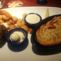 Photo taken at Red Lobster by Warren ♏. on 1/31/2013