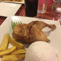 Photo taken at Max's Restaurant by Andrei D. on 7/25/2017