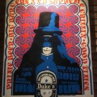 Photo prise au Duke's Burgers & Beer par Alexis J. le8/11/2018