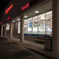 Photo taken at Walgreens by Calvin H. on 4/16/2014