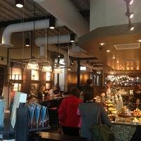 Photo taken at Starbucks by Calvin H. on 5/28/2013
