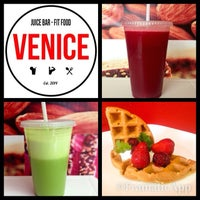 Photo taken at Venice Juicebar & Fitfood by Ismael V. on 2/20/2014
