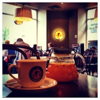Снимок сделан в Кофе Хауз пользователем ДИМИТРИЙ И. 8/11/2013