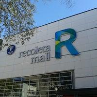 Foto tirada no(a) Recoleta Mall por Ariadna em 9/27/2012