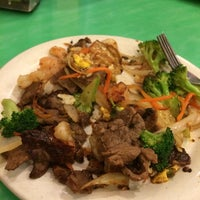 Photo taken at Teppanyaki Grill & Supreme Buffet by Valerie E. on 11/8/2014