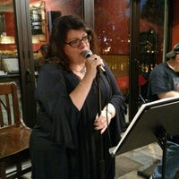 Photo taken at Red Hot & Blue  -  Barbecue, Burgers & Blues by Lisa B. on 10/22/2015