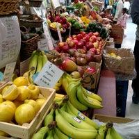 Foto tirada no(a) Fairgrounds Farmers Market por Lisa B. em 5/13/2017