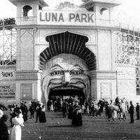 Das Foto wurde bei Luna Park Melbourne von Luna Park Melbourne am 2/27/2018 aufgenommen