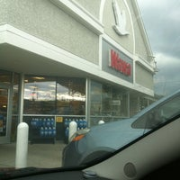 Photo taken at Wawa by Gerald S. W. on 9/29/2012
