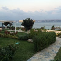 Photo taken at Batı Panorama Cafe-Restaurant by Onur K. on 9/28/2014