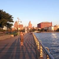 Das Foto wurde bei Pier 45 von Denis P. am 10/2/2013 aufgenommen