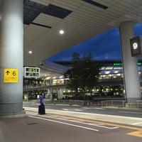 Photo taken at 第1ターミナル 5番バスのりば by Kohei K. on 8/3/2016