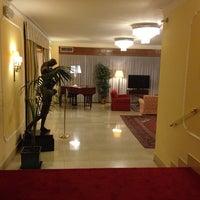 Foto scattata a Hotel Napoleon Roma da Itai N. il 9/21/2013