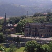 รูปภาพถ่ายที่ Palacio de Sobrellano โดย Rodolfo d. เมื่อ 6/25/2016
