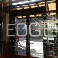 Foto tomada en EDGE Restaurant And Bar At Four Seasons Hotel Denver  por Tim J. el 12/26/2012