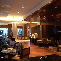 Foto tomada en EDGE Restaurant And Bar At Four Seasons Hotel Denver  por Tim J. el 12/17/2012