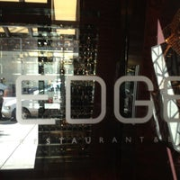 Foto tomada en EDGE Restaurant And Bar At Four Seasons Hotel Denver  por Tim J. el 10/14/2012