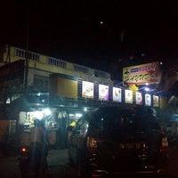 Photo taken at Restoran Kubang Hayuda by Nini on 7/31/2015
