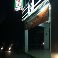 Photo taken at 7 Eleven by Kamarul Hisham on 10/27/2012