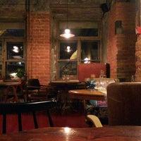 Foto tirada no(a) Винный бар «74» por Boris K. em 11/28/2014