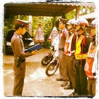 Photo taken at สถานีตำรวจภูธรแม่ท้อ by Patiphol J. on 9/28/2012