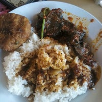 Photo taken at Restoran Mak Leha by Nursyamimie Z. on 12/30/2015