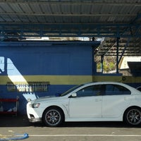 Overland car wash palms 21 tips photo taken at overland car wash by luke x on 2242013 solutioingenieria Choice Image