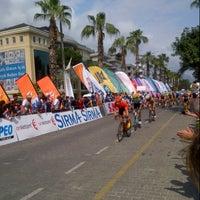 Photo taken at 49th Presidential Cycling Tour Of Turkey 2013 (49. Cumhurbaskanligi Bisiklet Turu Alanya Etabi 2013) by Aykut A. on 4/21/2013
