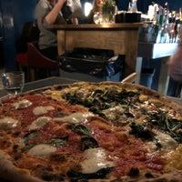 Photo prise au Homeslice Pizza par Ben 💯 B. le3/8/2018