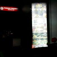 Photo taken at Burger King by budi g. on 4/20/2017