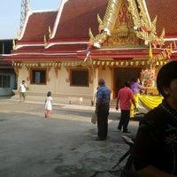 Photo taken at วัดพรพระร่วงประสิทธิ์ by Voravit C. on 11/3/2012