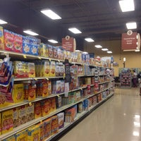 Photo taken at Giant Eagle Supermarket by Bill G. on 9/4/2014