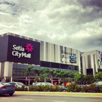 Photo taken at Setia City Mall by Fitrie on 2/11/2013