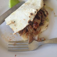 Photo taken at Antigua Taqueria La Oriental by Carlos R. on 2/24/2013