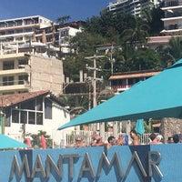 Foto tomada en Mantamar Beach Club por Maile J. el 3/2/2014