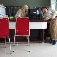 Photo taken at SMA Muhammadiyah 2 Surabaya by Dedi W. on 1/8/2014