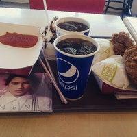Photo taken at KFC by SEEPPAA on 4/6/2015