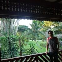 Photo taken at Wisma Kinasih - Kinasih Resort by Heryanto H. on 7/18/2014