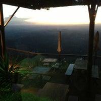 Foto tirada no(a) Topo do Mundo Restaurante por Laura C. em 2/20/2013