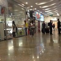 Foto tirada no(a) Shopping 5ª Avenida por Laura C. em 9/28/2012