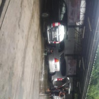 Photo taken at Grand galaxy car wash by Yunianto S. on 4/22/2013