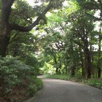 Foto tirada no(a) 明治神宮 北参道 por Kazuo A. em 7/28/2013