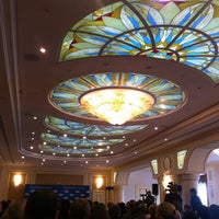 2/12/2013 tarihinde Kate K.ziyaretçi tarafından Fairmont Grand Hotel Kyiv'de çekilen fotoğraf