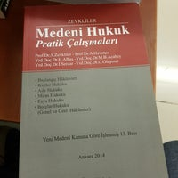 Photo taken at Yaşar Cevizli Kirtasiye by Haydar Cem on 10/17/2017