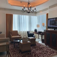 รูปภาพถ่ายที่ The St. Regis Abu Dhabi โดย Loan P. เมื่อ 2/15/2018
