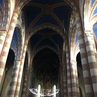 Photo taken at Piazza Duomo by Marcio Hiroaki K. on 11/27/2016